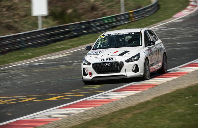 Hyundai i30 N: prove generali nel VLN2 per la 24 Ore del Nürburgring