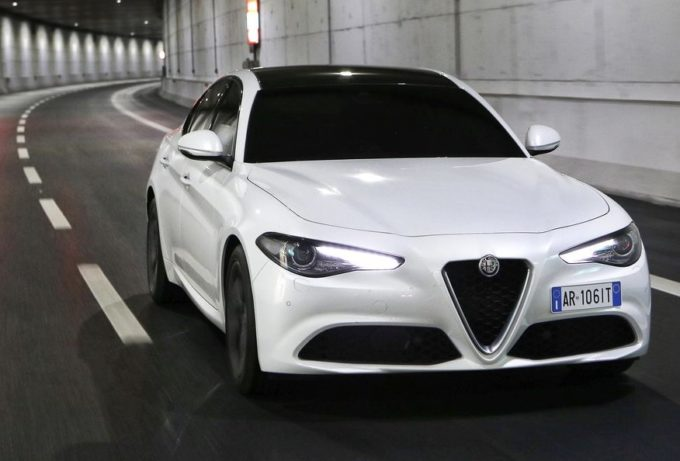 Alfa Romeo Giulia: in Italia a marzo 2017 supera nelle vendite Mercedes Classe C e BMW Serie 3