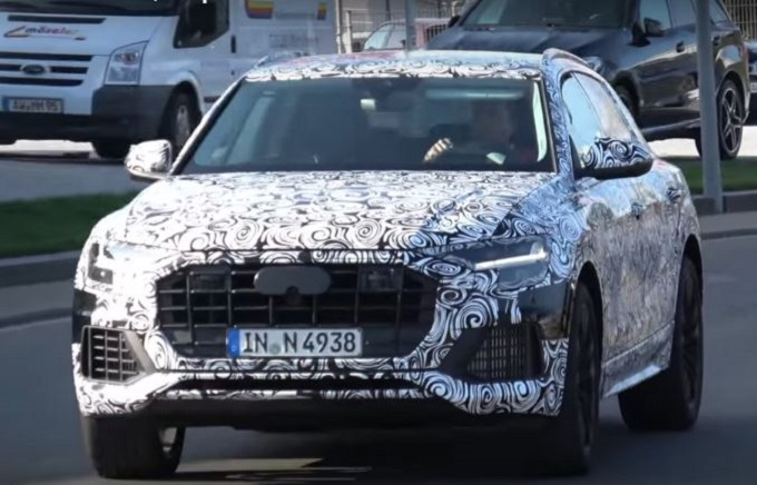Audi Q8: filmato il prototipo in strada [VIDEO SPIA]