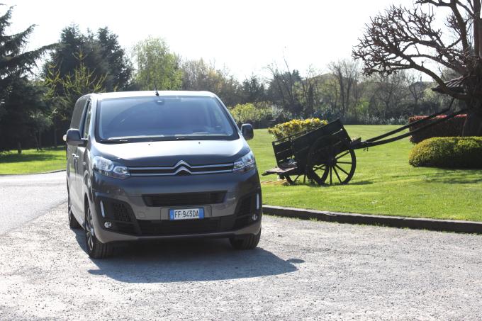 Citroën SpaceTourer, non chiamatelo furgone [VIDEO PROVA SU STRADA]