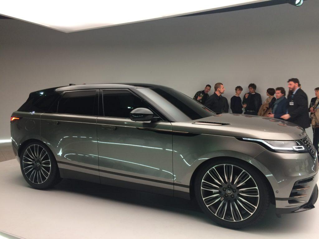 Less is pure: svelata la nuova Lange Rover Velar