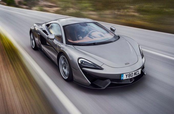 McLaren 570S in azione tra i tornanti di Montserrat [VIDEO]