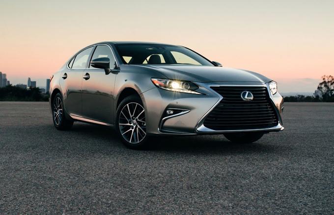 Lexus ES: la prossima generazione subentrerà all'uscente GS?