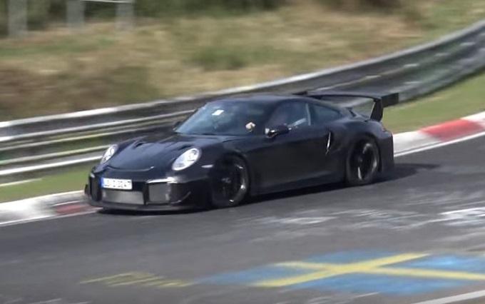 Porsche 911 GT2 RS: collaudi al Nurburgring per la futura velocista di Stoccarda [VIDEO SPIA]