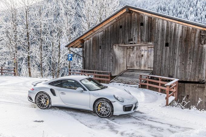 Porsche 911 Turbo S: prestazioni di un altro pianeta, fruibili ogni giorno [PROVA SU STRADA]