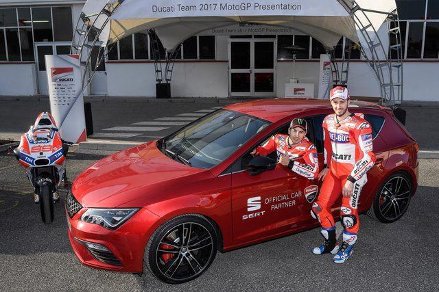 SEAT ha consegnato una Leon Cupra ad Andrea Dovizioso