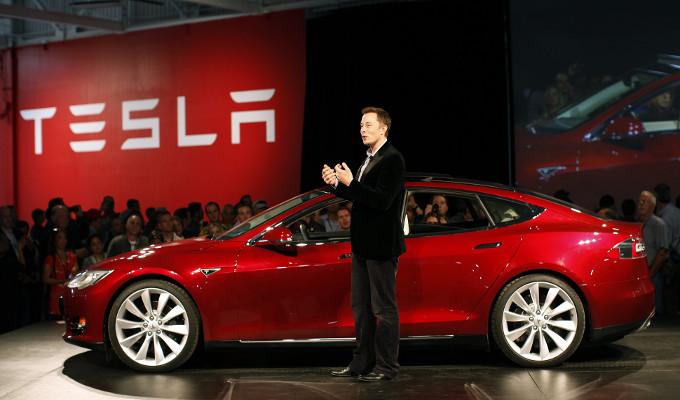 Tesla continua a crescere e sorpassa anche GM a Wall Street