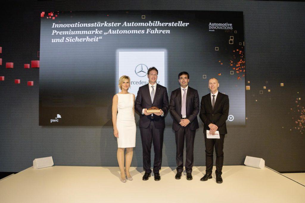 Mercedes Classe E vince il premio AutomotiveINNOVATIONS
