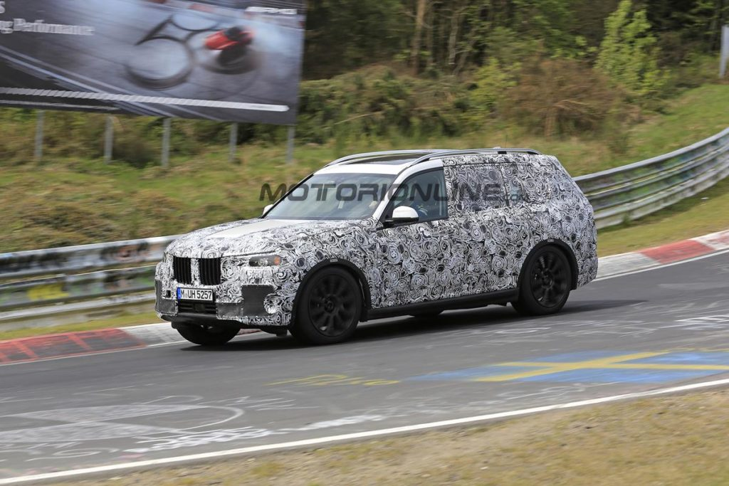 BMW X7 - Foto spia 03-05-2017