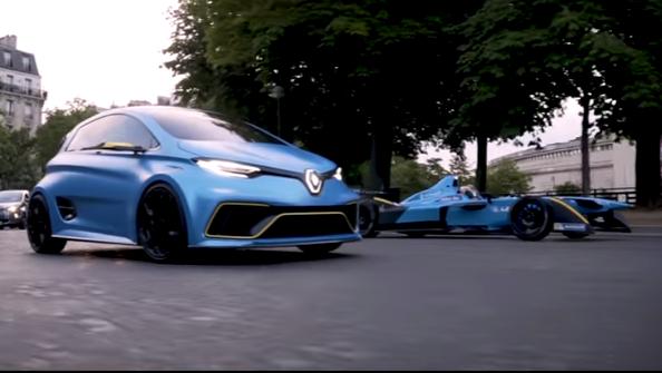 Renault: Formula E eDams R.S. 16 e ZOE e-Sport Concept in azione a Parigi [VIDEO]