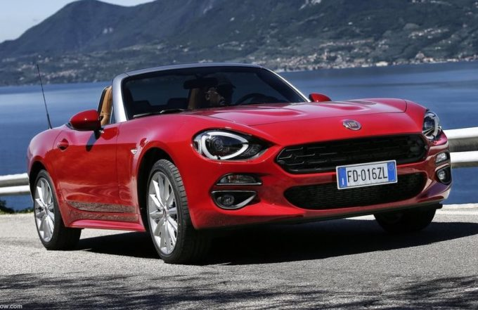 Fiat 124 Spider tra le bellezze di Ischia [VIDEO]