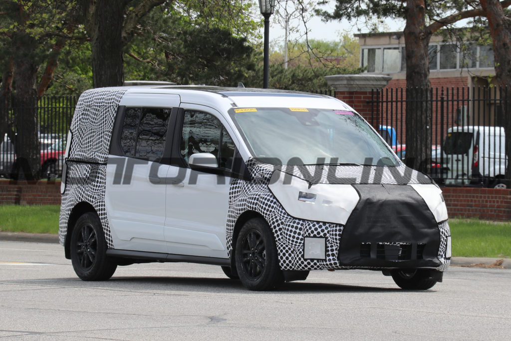 Ford Transit Connect MY 2019: restyling in vista per il furgone [FOTO SPIA]
