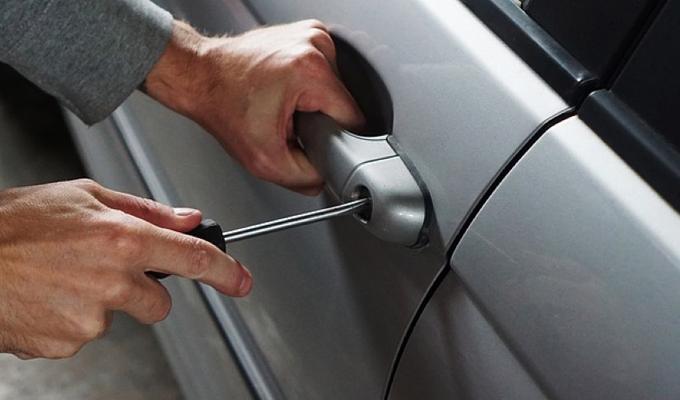 Auto o moto rubata: cosa fare e a chi rivolgersi?