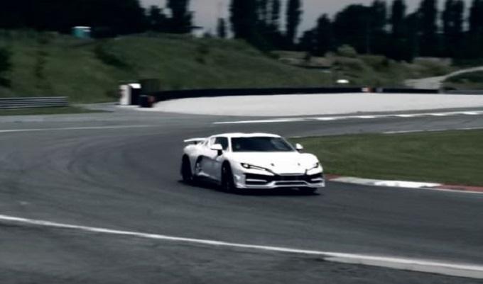 Italdesign Zerouno: l'esclusiva supercar ruggisce in pista [VIDEO]
