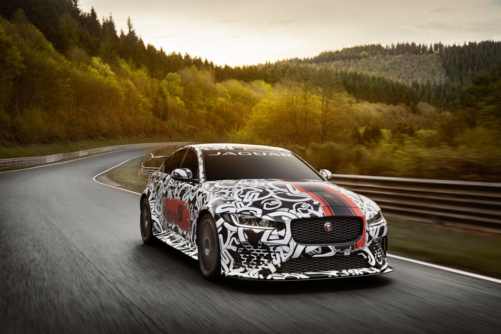 Jaguar XE SV Project 8: il 'Giaguaro' più potente di sempre