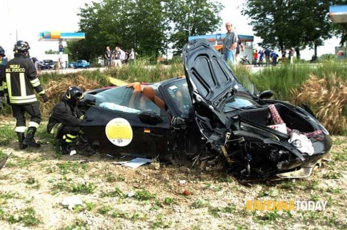 Mille Miglia 2017: violento incidente per una Ferrari 458 Spider