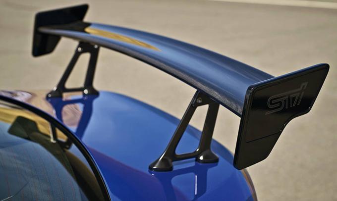 Subaru BRZ STI: sarà svelata l'8 giugno [TEASER]