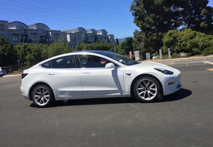 Tesla: fatturato record, ma perdita peggiore del previsto