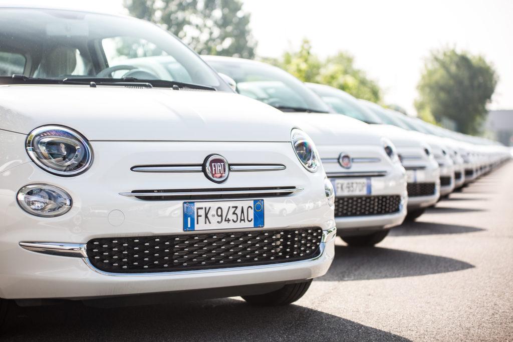 """Fiat 500: 1.520 consegne in 48 ore per premiare i fortunati vincitori del concorso """"Esselunga"""" [VIDEO]"""