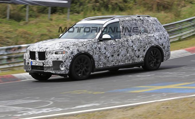 BMW X7: confermato il lancio entro la fine del 2018