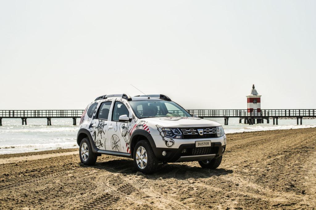 Dacia DUSTER STRONGMAN: l'edizione limitata fa bella mostra di sè al Parco Valentino 2017
