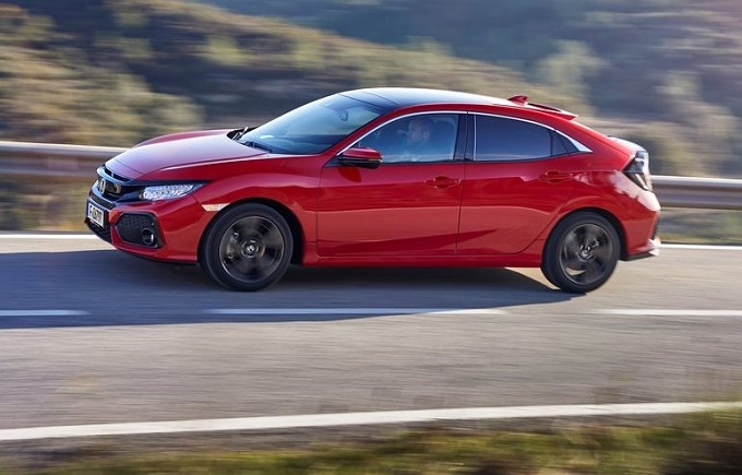 Honda Civic MY 2017: prova su strada virtuale per scoprirne le dotazioni [VIDEO]