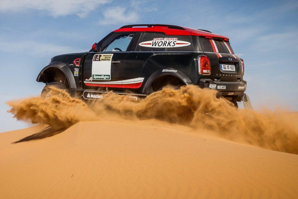 MINI John Cooper Works Rally: test nel deserto [VIDEO]