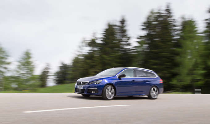 Nuova Peugeot 308: più tecnologia e caratteristiche al servizio dell'efficienza [VIDEO TEST DRIVE]