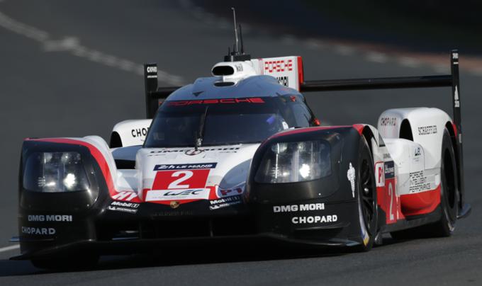 24 Ore di Le Mans: vittoria della Porsche all'ultimo respiro [FOTO]