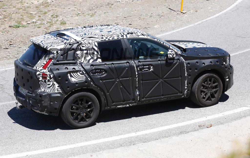 Volvo XC40: VIDEO SPIA del nuovo SUV compatto
