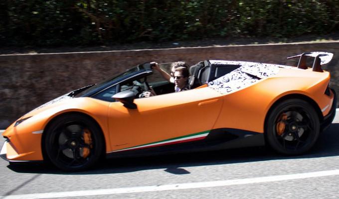 Lamborghini Huracan Performante Spyder: sopresa per strada senza veli [FOTO SPIA]