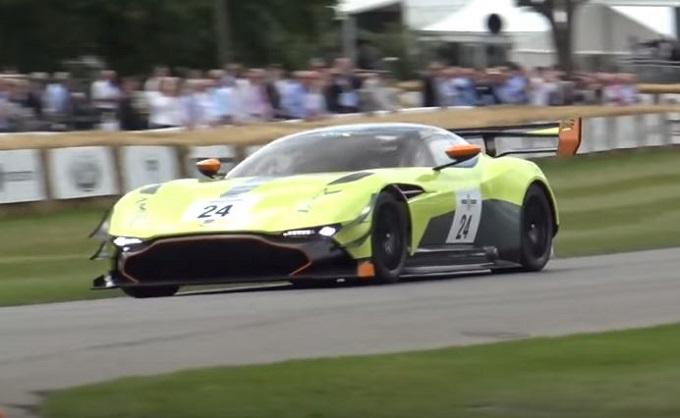Aston Martin Vulcan AMR Pro: un bolide travolgente in azione a Goodwood [VIDEO]