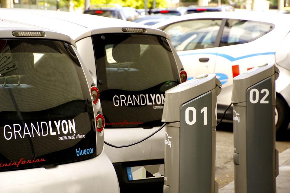 Una nuova sfida per l'Europa: dal 2035 solo auto elettriche