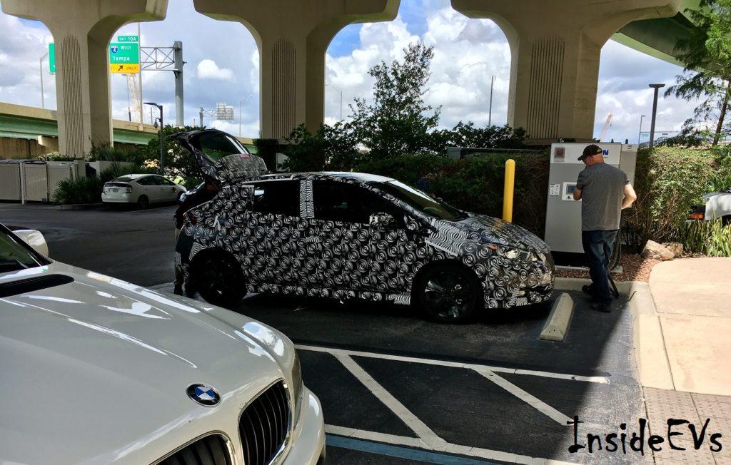 Nuova Nissan Leaf beccata sulle strade della Florida [FOTO SPIA]