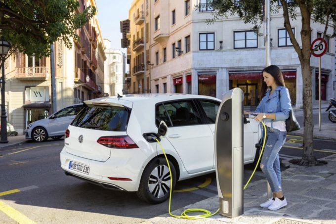 Auto elettriche ed ibride: a Giugno 2017 conquistano il 42% del mercato in Norvegia