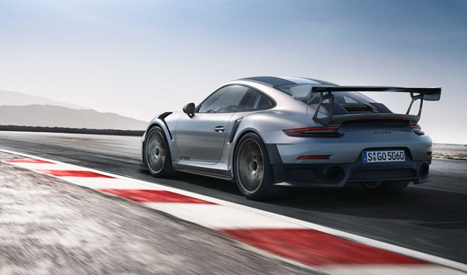 Porsche 911 GT2 RS: un'energia competitiva da 700 cavalli [VIDEO]
