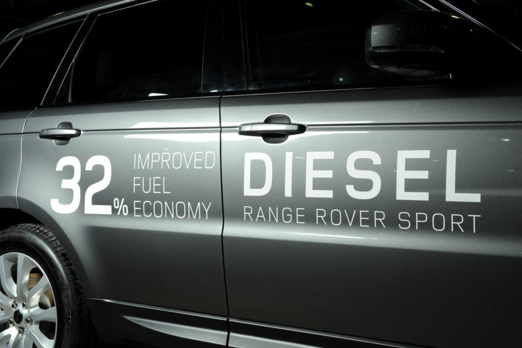 Il Regno Unito punta a vietare la vendita di auto a benzina e diesel dal 2040