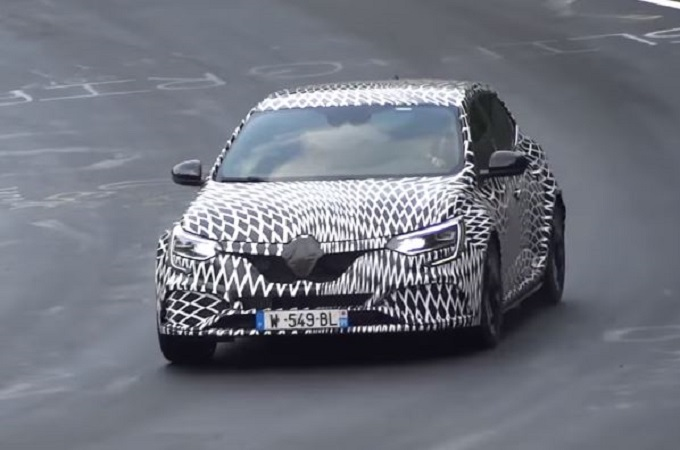Nuova Renault Megane RS: al Nürburgring si continua a girare [VIDEO SPIA]
