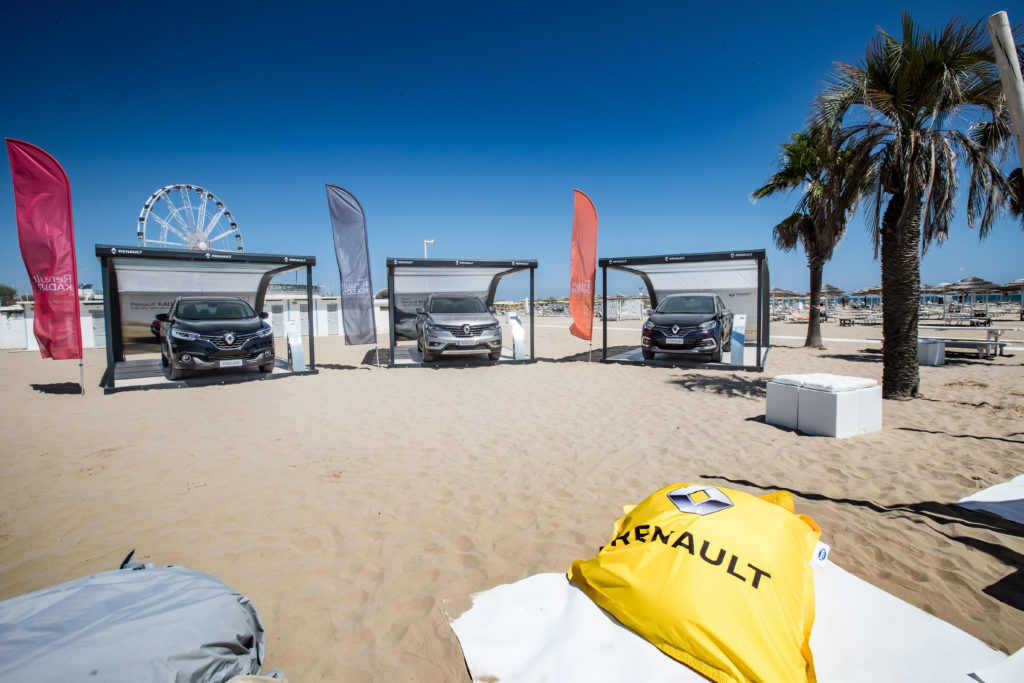 Renault Vertical Summer Tour 2017, la rinnovata gamma crossover gira le spiagge italiane
