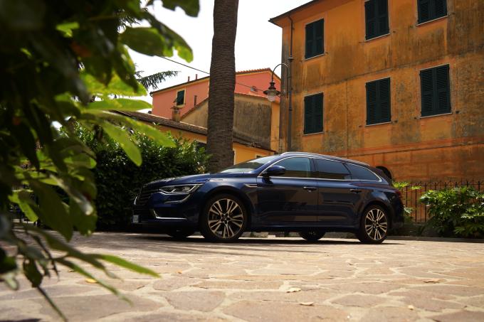 Renault Talisman Sporter, il rientro francese con stile [VIDEO PROVA SU STRADA]