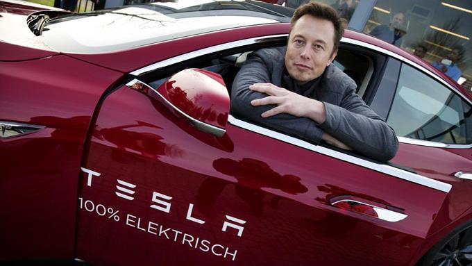 """Elon Musk: """"Entro i prossimi 10 anni metà dei veicoli prodotti in America saranno elettrici"""""""