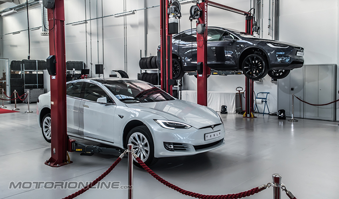 Tesla Service Center Milano
