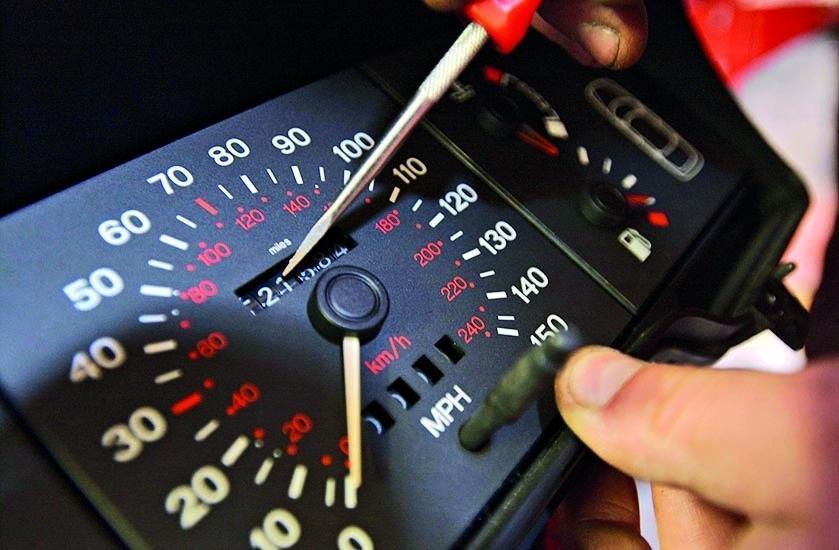Verificare Km reali: i consigli per evitare fregature con le auto usate