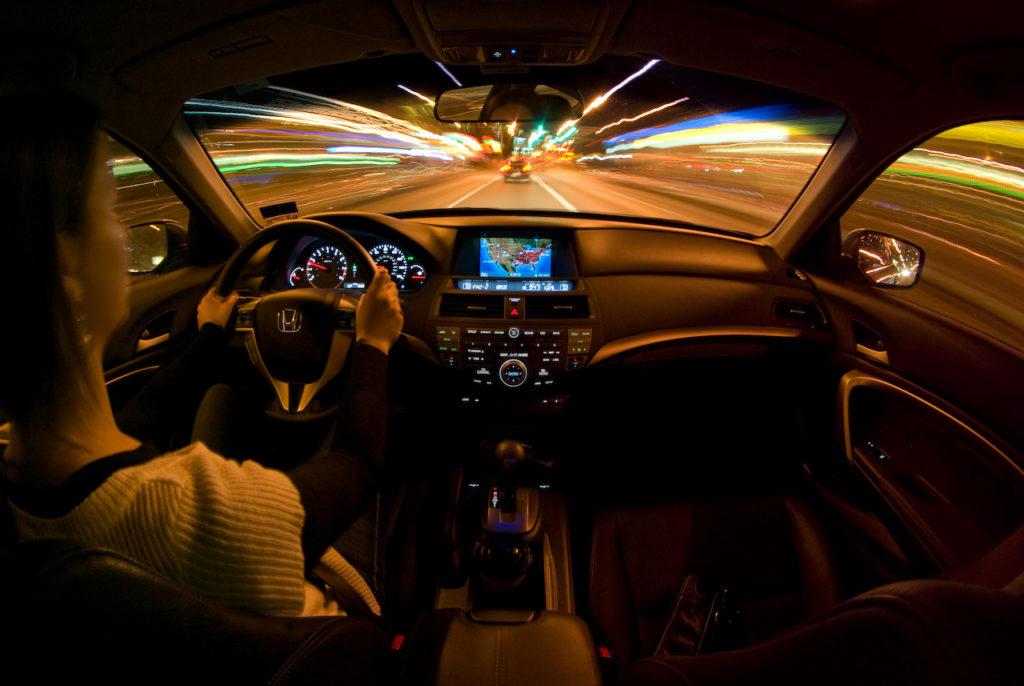"""Viaggiare di notte: consigli per la """"partenza intelligente"""""""