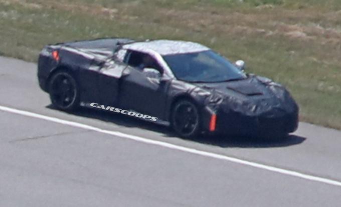 Corvette C8: proseguono i test su strada dell'ottava generazione [FOTO SPIA]