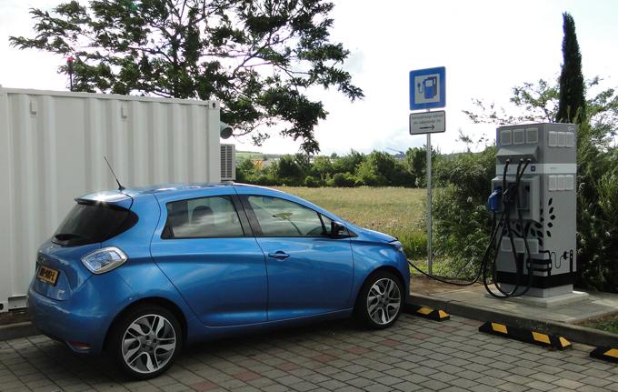 Gruppo Renault: colonnine di ricarica rapida con tecnologia E-STOR
