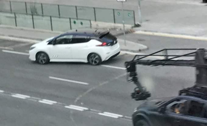 Nuova Nissan Leaf avvistata con la carrozzeria in bella vista [FOTO SPIA]