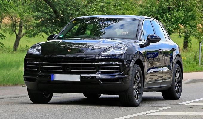 Porsche Cayenne 2018: il debutto atteso il 29 agosto, le versioni Diesel un'incognita? [FOTO SPIA]