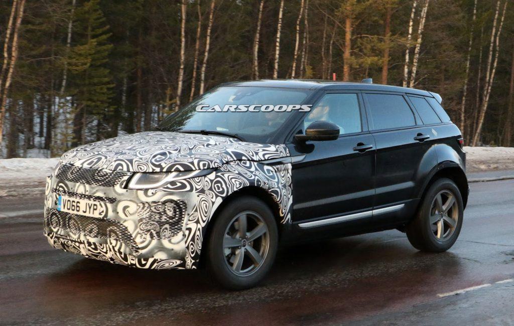 Range Rover Evoque: il nuovo modello prenderà spunto dalla Velar [FOTO SPIA]