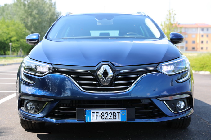 Renault Mègane Sporter, la station attenta al design [VIDEO PROVA SU STRADA]